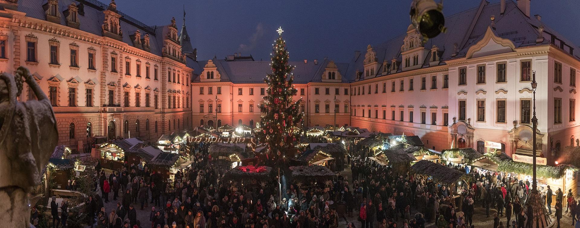 Weihnachtsmarkt Kalender 2019.Romantischer Weihnachtsmarkt Auf Schloss Thurn Und Taxis Regensburg